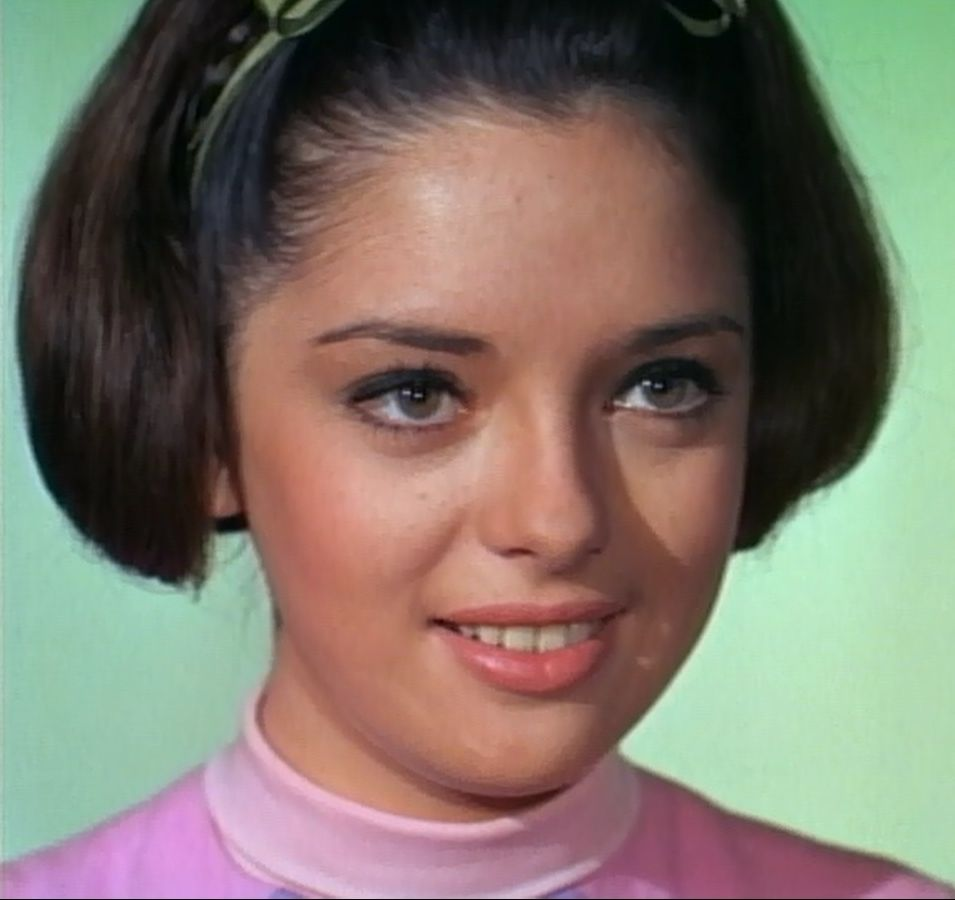 Angela Cartwright Pics http://uncleodiescollectibles.com/html_lib/angela-cartwright/00010.html