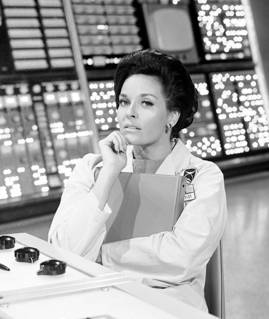 Lee Meriwether Photo Gallery 05